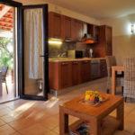 aria-marina-appartement-1-chambre-rez-de-chaussee-vue-jardin-01