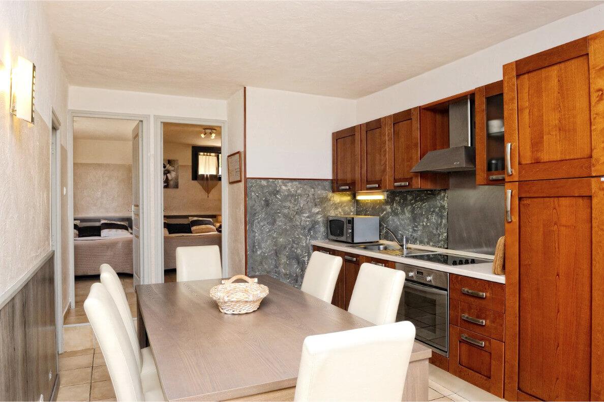 aria-marina-appartement-2-chambres-jardin-vue-mer-03