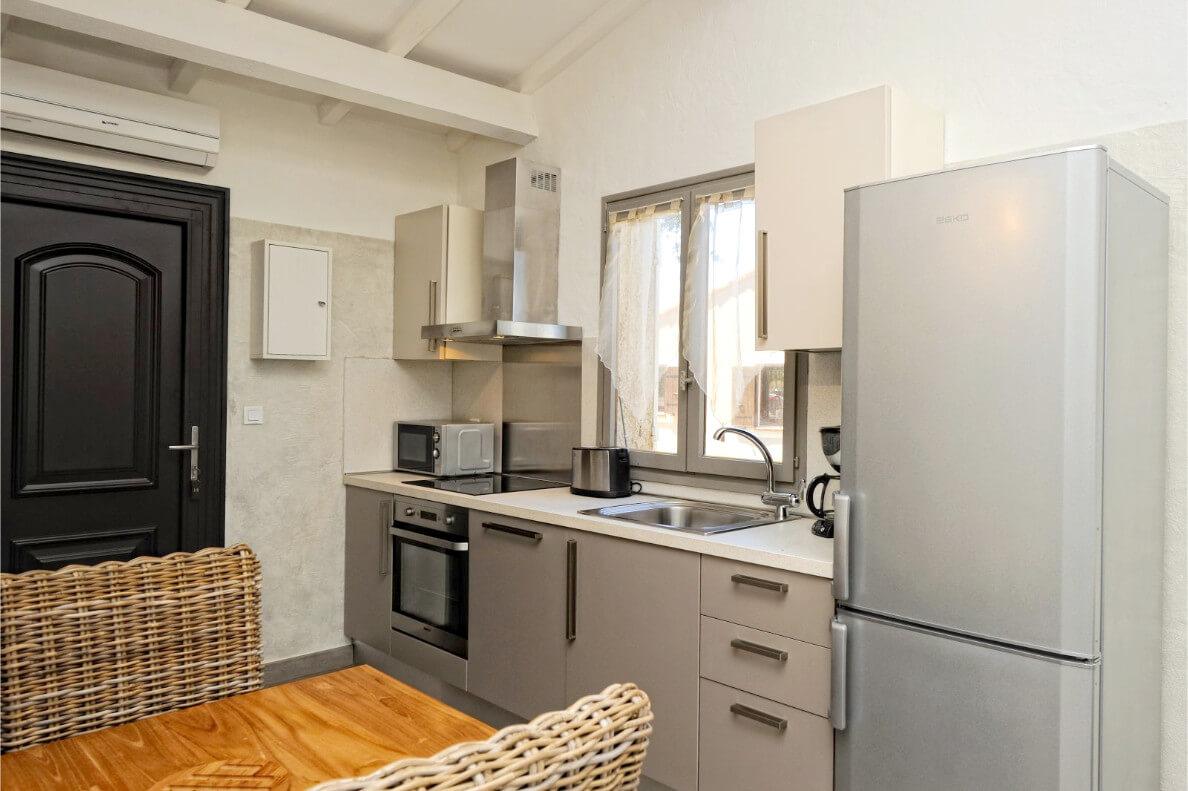 aria-marina-appartement-studio-vue-mer-03